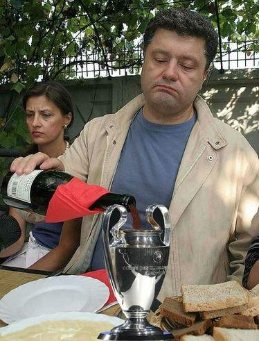 порошенко бухает