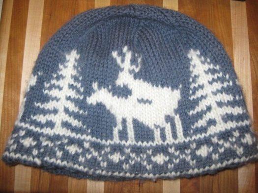 шапка тразающиеся олени